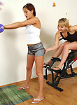 Sporty lesbian chicks mastering in the gym kissing and muff-munching skills